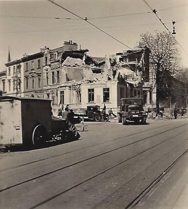 Volltreffer an der Ecke Fedelhören/Dobben: Christine Böhne stand mitten auf der Straße, als sie diese Aufnahme am 8. Mai 1941 machte. Foto: Privat