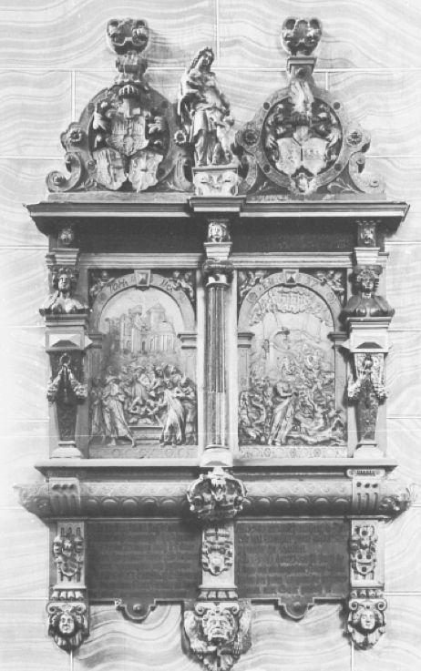 Das Doppel-Epitaph Vasmer-Steding vor der Zerstörung an einer Innenwand der alten St. Ansgarii-Kirche. Links ist der Teil Vasmer, rechts Steding. Die Herme mit dem Frauenbildnis ist links neben dem Relief, etwa in der Mitte des Epitaphs. Es befindet sich heute an der Fassade des Hauses Schnoor 38. Inschriften: Über der linken Relieftafel (Auferweckung des Lazarus): Johannes Evangelium Kapitel 11 (lateinisch) Über der rechten Relieftafel (Auferweckung des Lazarus): Hesekiel, Kapitel 37 (lateinisch). Unter den Darstellungen jeweils Gedenksprüche für die namentlich genannten Verstorbenen in deutscher Sprache (und Schrift). Quellen: Staatsarchiv Bremen und Ansgarii-Gemeinde