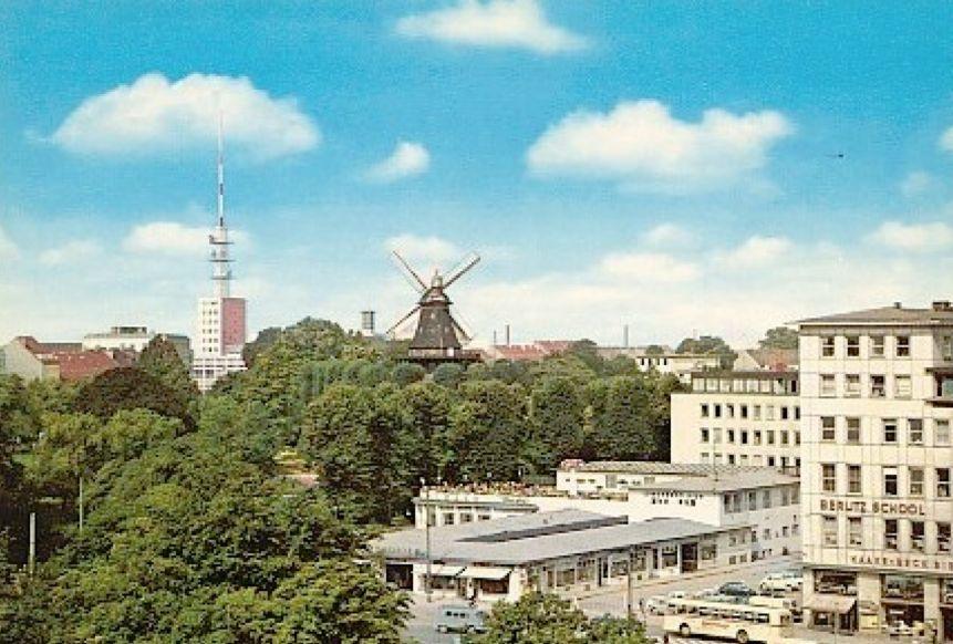 Auch in Farne sehr reizvoll: der Hillmann-Komplex auf einer Ansichtskarte von 1959. Quelle: Peter Strotmann