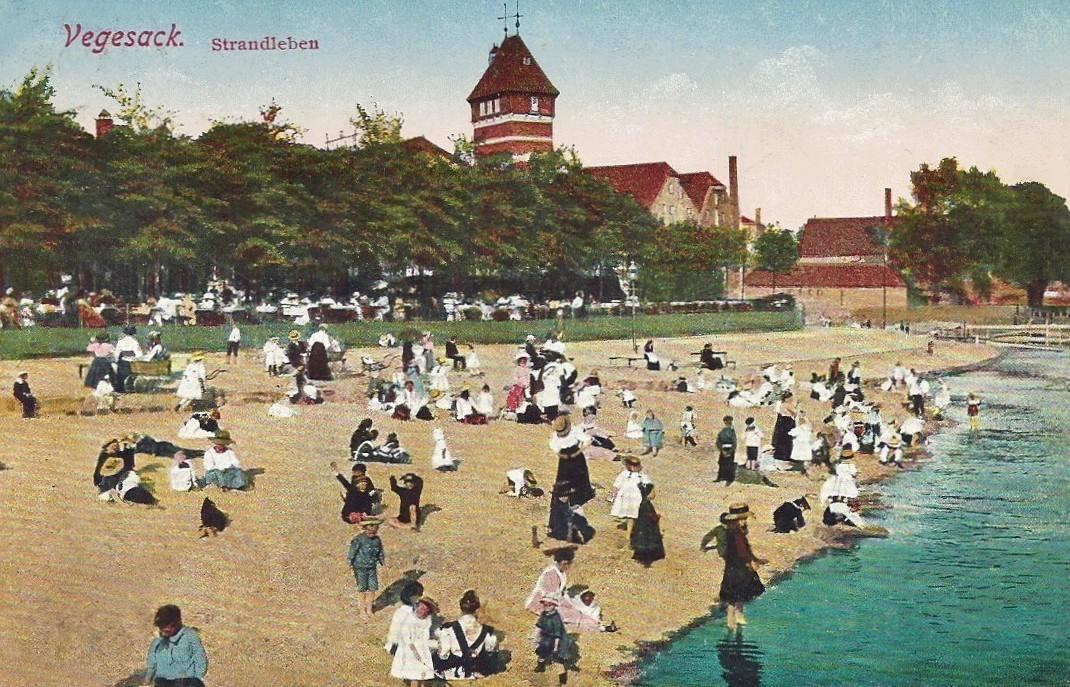 Der Strand der Strandlust: Der Fotograf hat ein munteres Strandleben eingefangen, hier zu sehen auf einer kolorierten Ansichtskarte von 1908. Quelle: Peter Strotmann
