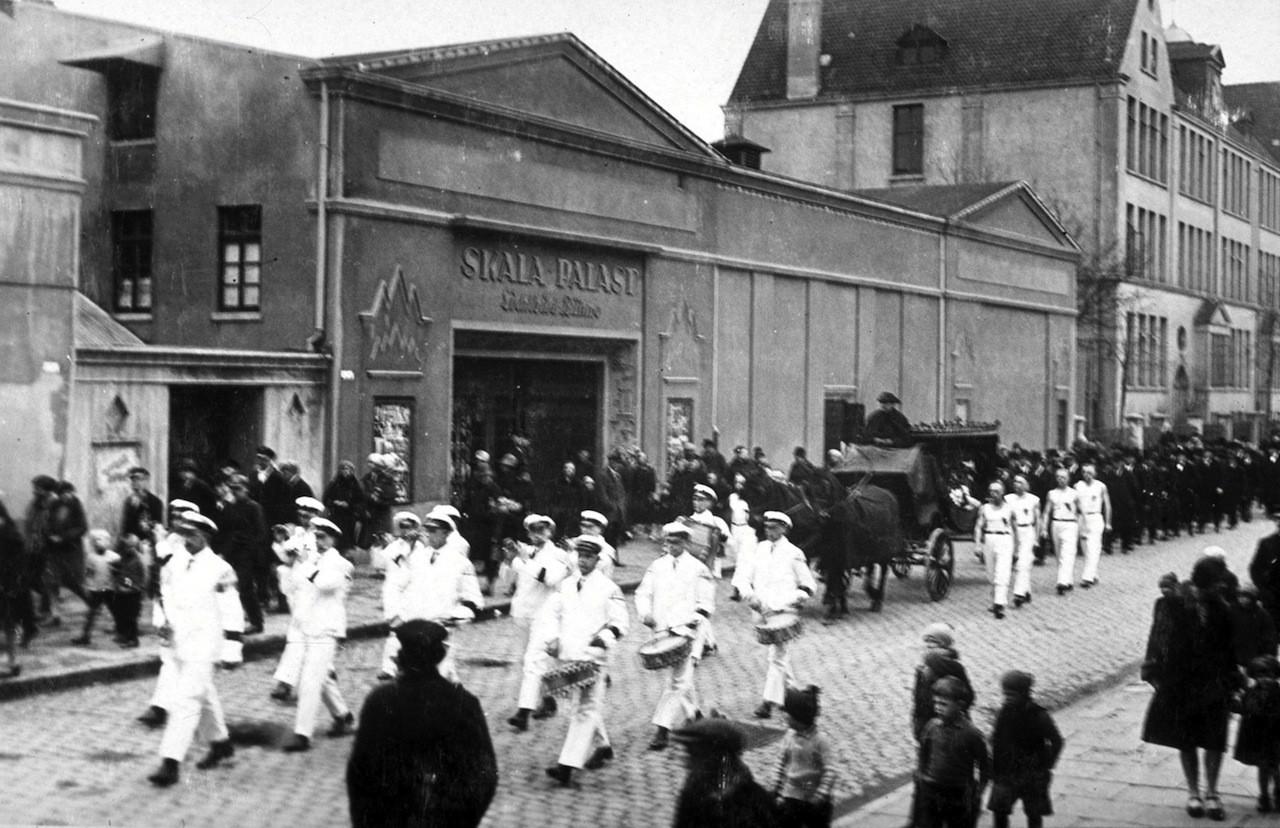 """Hochmodern: 1928 eröffnete die Firma Horwitz die """"Skala-Palast-Lichtbild-Bühne"""" mit 597 Plätzen in Gröpelingen beim Ohlenhof 6-8. Nur wenige Jahre später wurde der Betrieb """"arisiert"""". Quelle: Archiv der Geschichtswerkstatt Gröpelingen e. V."""
