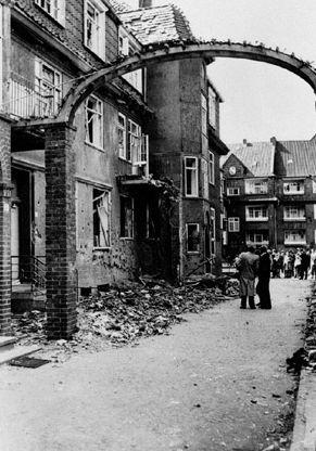 Schwere Schäden gab es auch in der Eisenbahner-Siedlung Breitenbachhof in Gröpelingen. Hier starb der 38-jährige Eisenbahner Bernhard Garrels. Quelle: Staatsarchiv Bremen