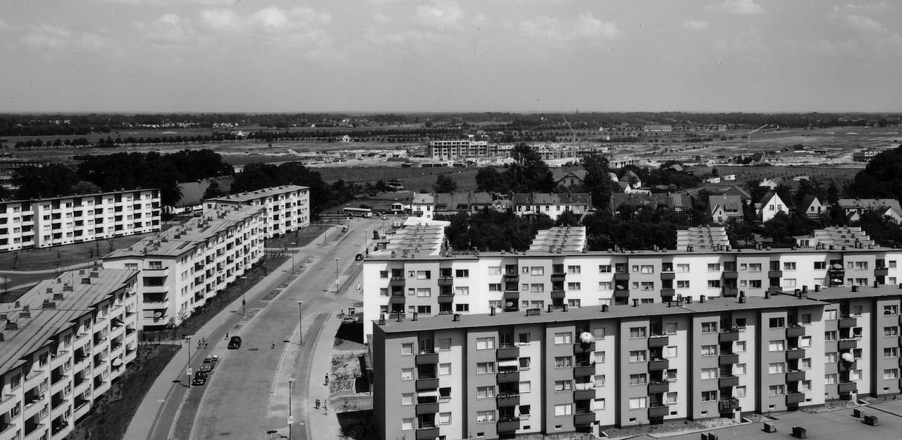 Und in der Ferne schon die erste Baustelle der Neuen Vahr: Blick vom Hochhaus am Heideplatz. Foto: Hed Wiesner