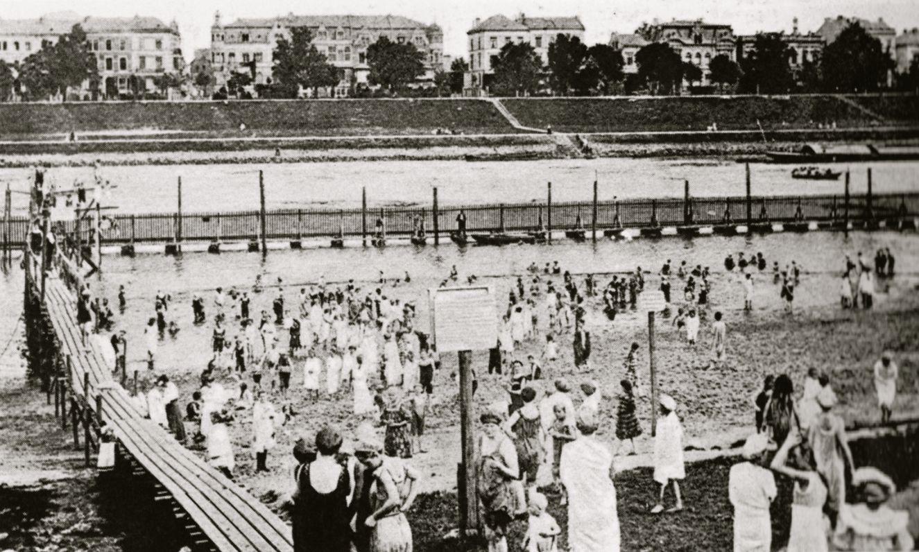 Das Damenbad am Stadtwerder als Postkartenmotiv um 1910. Quelle: Peter Strotmann
