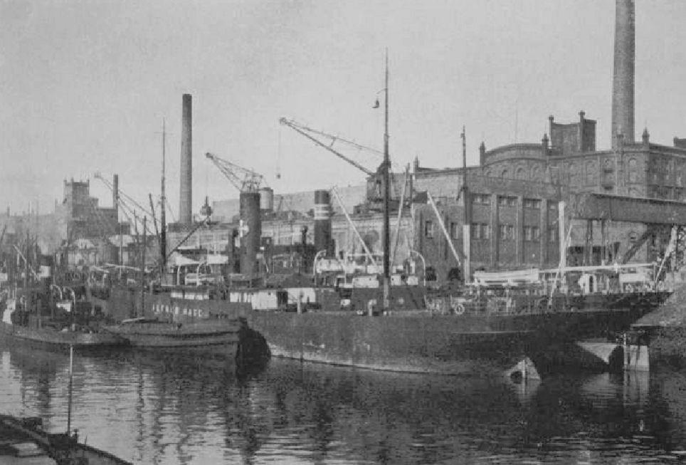 Die Bremer Fabrik der Besigheimer Oelfabriken: Aufnahme aus dem Holzhafen (1924). Quelle: Deutsche-Olmühlen-Industrie 1925