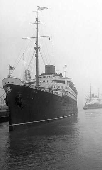 """Trug das Bremer Wappen über den Atlantik: der Schnelldampfer """"Bremen"""", hier auf einer Aufnahme von 1930. Quelle: Bundesarchiv Koblenz/Wikicommons"""