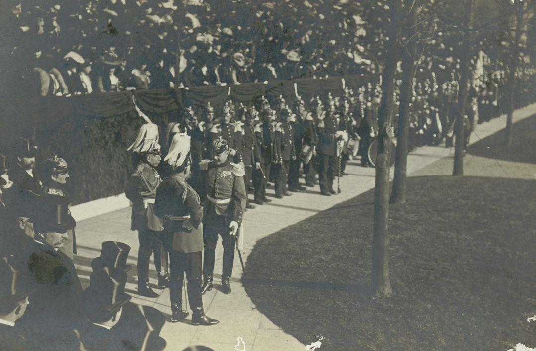 So viel Zeit muss sein: Der Kaiser dankt dem Militärkapellmeister. Quelle: Staatsarchiv Bremen