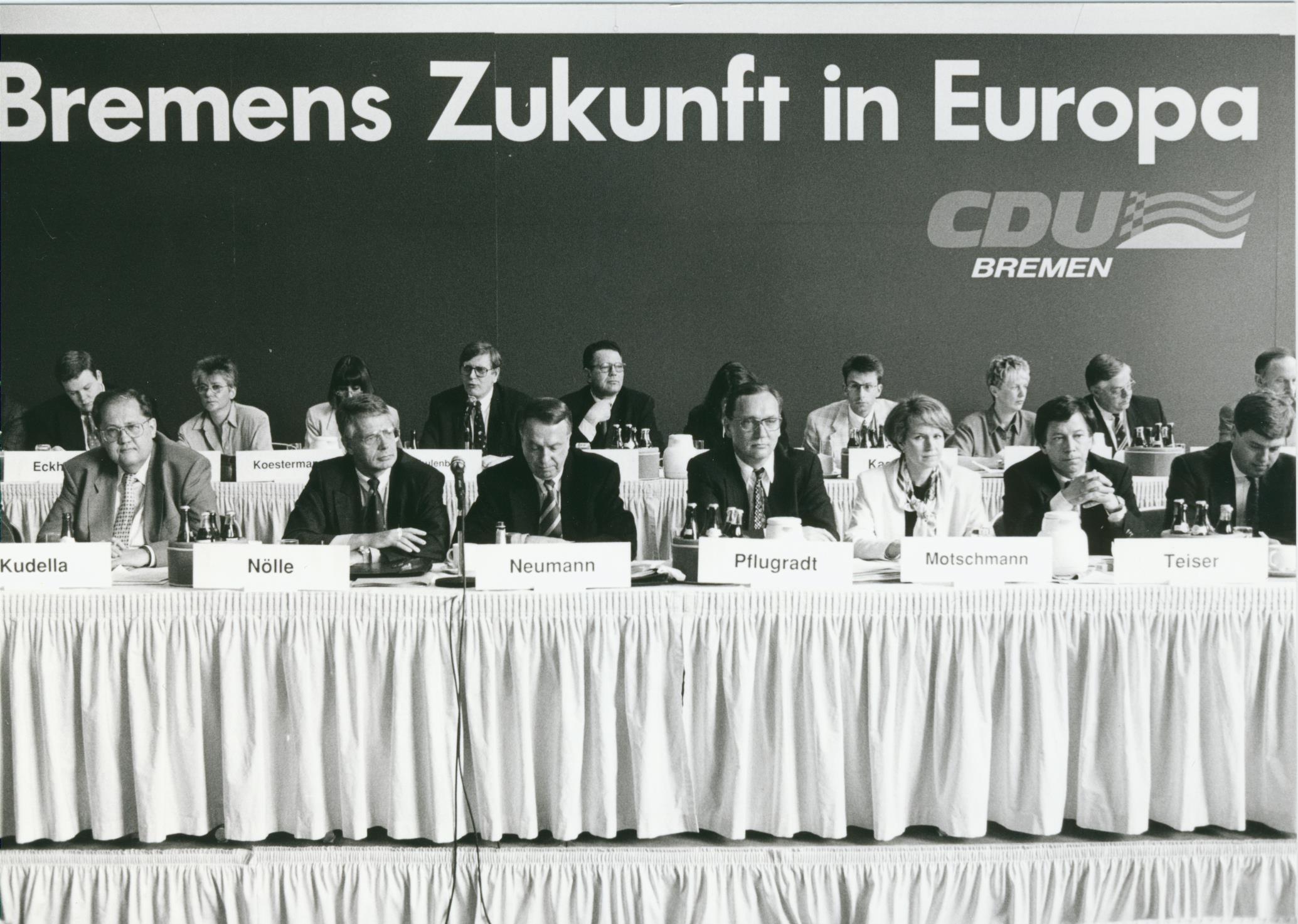 Noch immer in der Opposition: die CDU-Führungsriege beim Landesparteitag 1994. Quelle: CDU Bremen