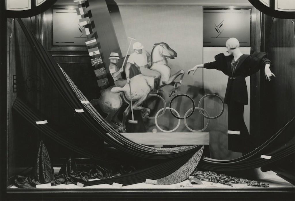 Ein anderer Blick auf Olympia: Schaufensterschmuck in Bremen. Quelle: Staatsarchiv Bremen