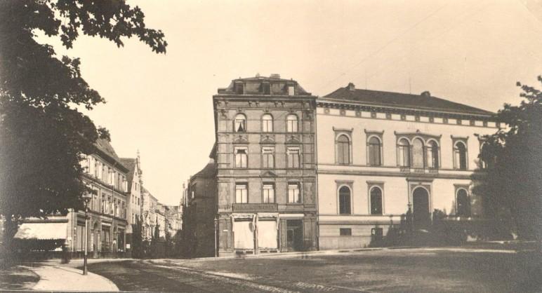 Nur die Schauseite: Hinter der hellen Fassade des Union-Gebäudes verbarg sich ein ganzes Gebäude-Ensemble. Quelle: Staatsarchiv Bremen