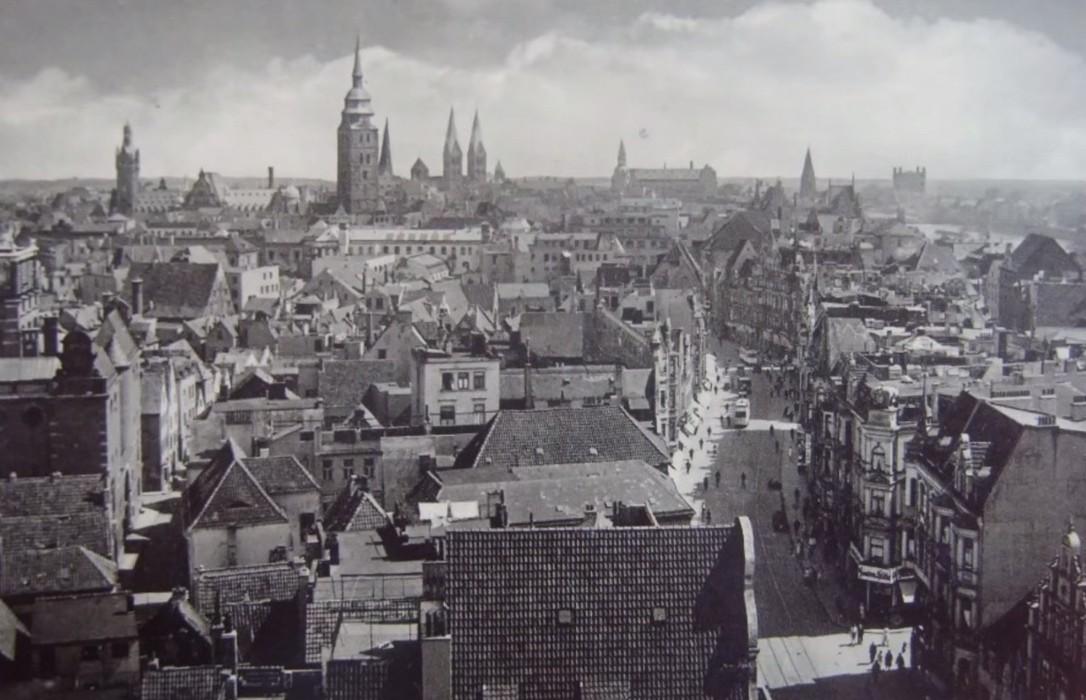 Beeindruckende Silhouette: Blick auf die Bremer Turmlandschaft vom Stephani-Viertel. Bildvorlage: Nils Huschke
