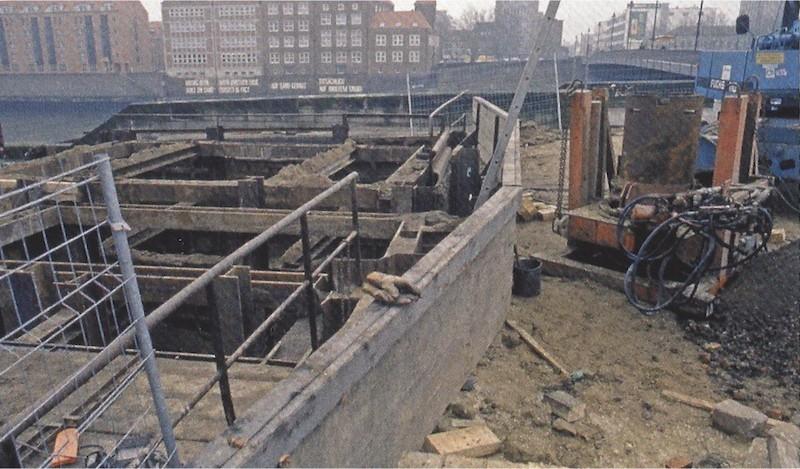 Die Fundstelle: Bei Kanalbauarbeiten stieß man im Sommer 1991 auf die Überreste des Schlachte-Schiffs. Quelle: Manfred Rech, Das Bremer Schlachte-Schiff, Oceanum Verlag: Bremerhaven 2016