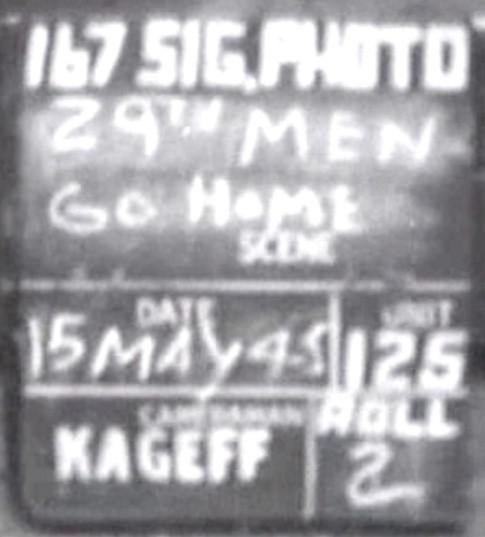 Eine Show für die Lieben daheim: die Filmklappe mit dem Aufnahmedatum.