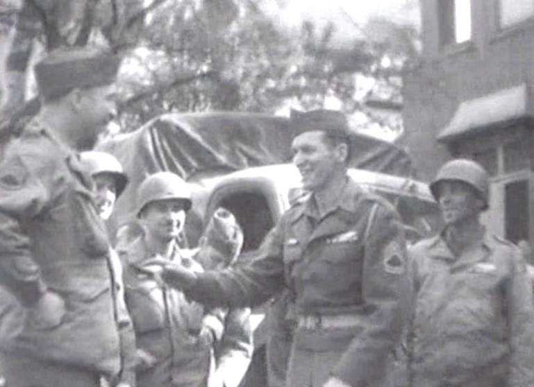 Smalltalk in Schwachhausen: US-Soldaten vermitteln gute Stimmung.