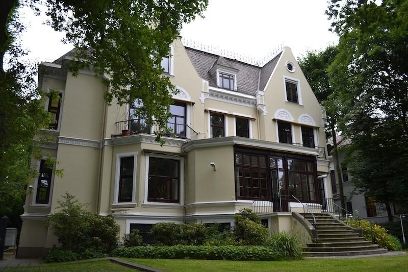 Auch einen Blick wert: die Gartenansicht des Hauses Hollerallee 75. Foto: Frank Hethey