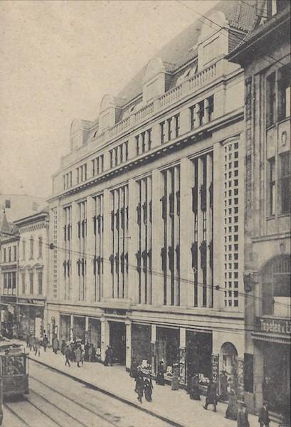 Imposant: das Warenhaus Heymann & Neumann auf einer Ansichtskarte aus den frühen 1930er Jahren. Quelle: Privat