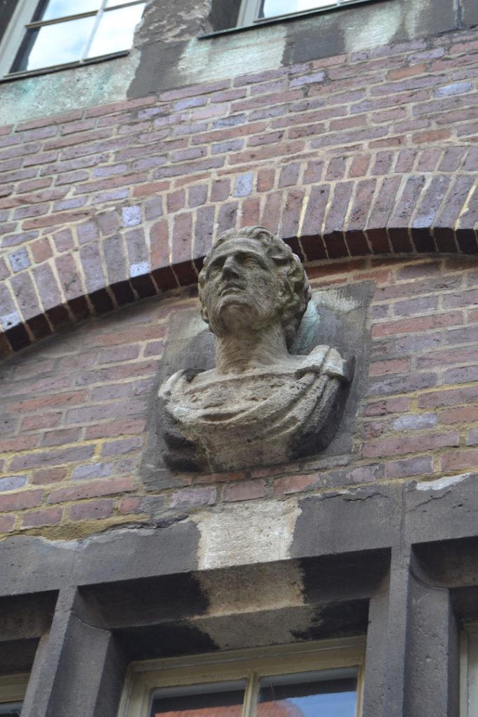 Motzte gegen seinen alten Herrn: der Kaisersohn Titus. Foto: Frank Hethey