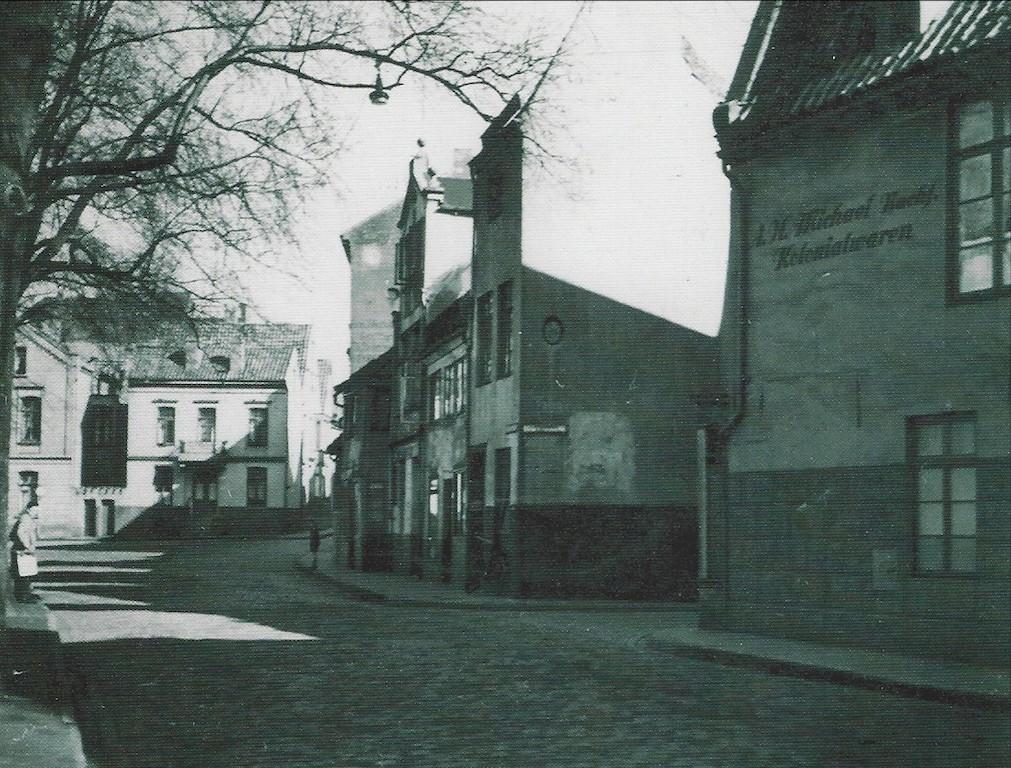 Eine andere Perspektive: Blick in die Straße Vor dem Stephanitor in Richtung Nordosten. Quelle: Hermann Meyer, Die Bremer Altstadt, Bremen 2003