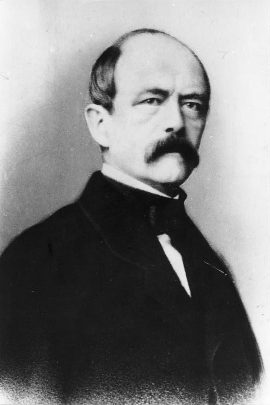 Sorgte mit einem Federstrich für Schwarz-weiß-rot: der preußische Ministerpräsident Otto von Bismarck. Quelle: Wikicommons/Bundesarchiv Koblenz