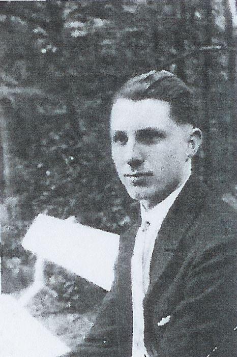 Strebsam und ehrgeizig: der junge Max Schümann - auf einem Foto seines Parteiausweises. Quelle: Bundesarchiv Koblenz