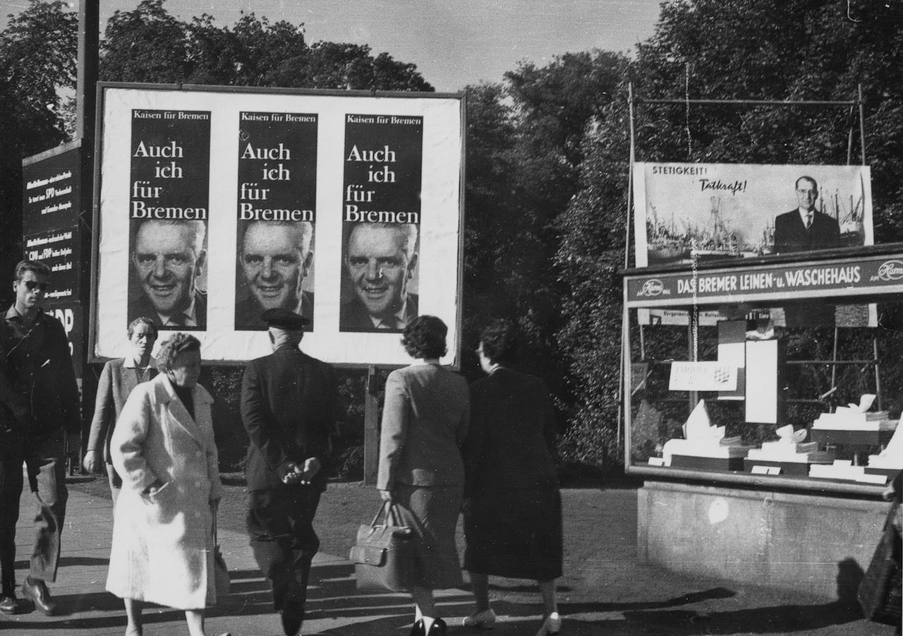 Überall Plakate, aber mit System: Im Wahlkampf 1959 setzte die SPD auf neue Methoden. Bildvorlage: Staatsarchiv Bremen