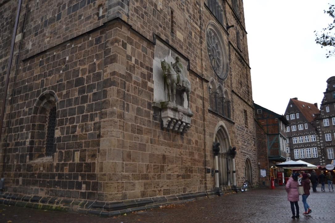 Moltke-Denkmal an der Bremer Liebfrauenkirche