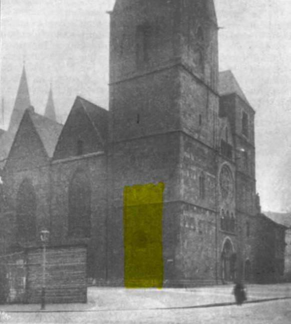 Bremer Dom mit gelber Markierung des Standortes des Bismarck-Denkmals